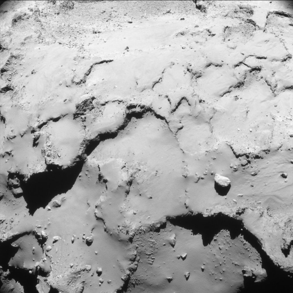 comet_from_17-4_km_navcam_article_mob