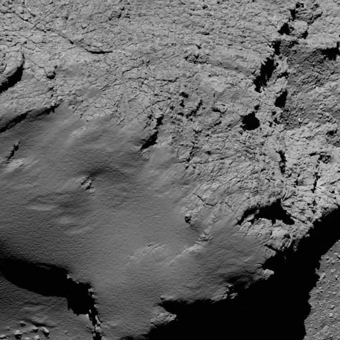 comet_from_8-9_km_narrow-angle_camera_article_mob